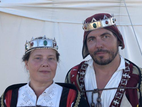 Bilden visar Nordmarks furstinna Jovi och furste Stigot. De tillträdde tronerna under medeltidsveckan 2019.